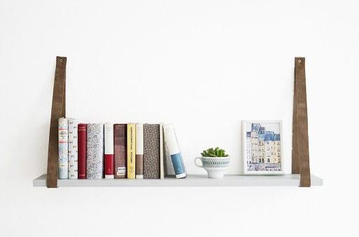как да направим рафтове за книги от колани