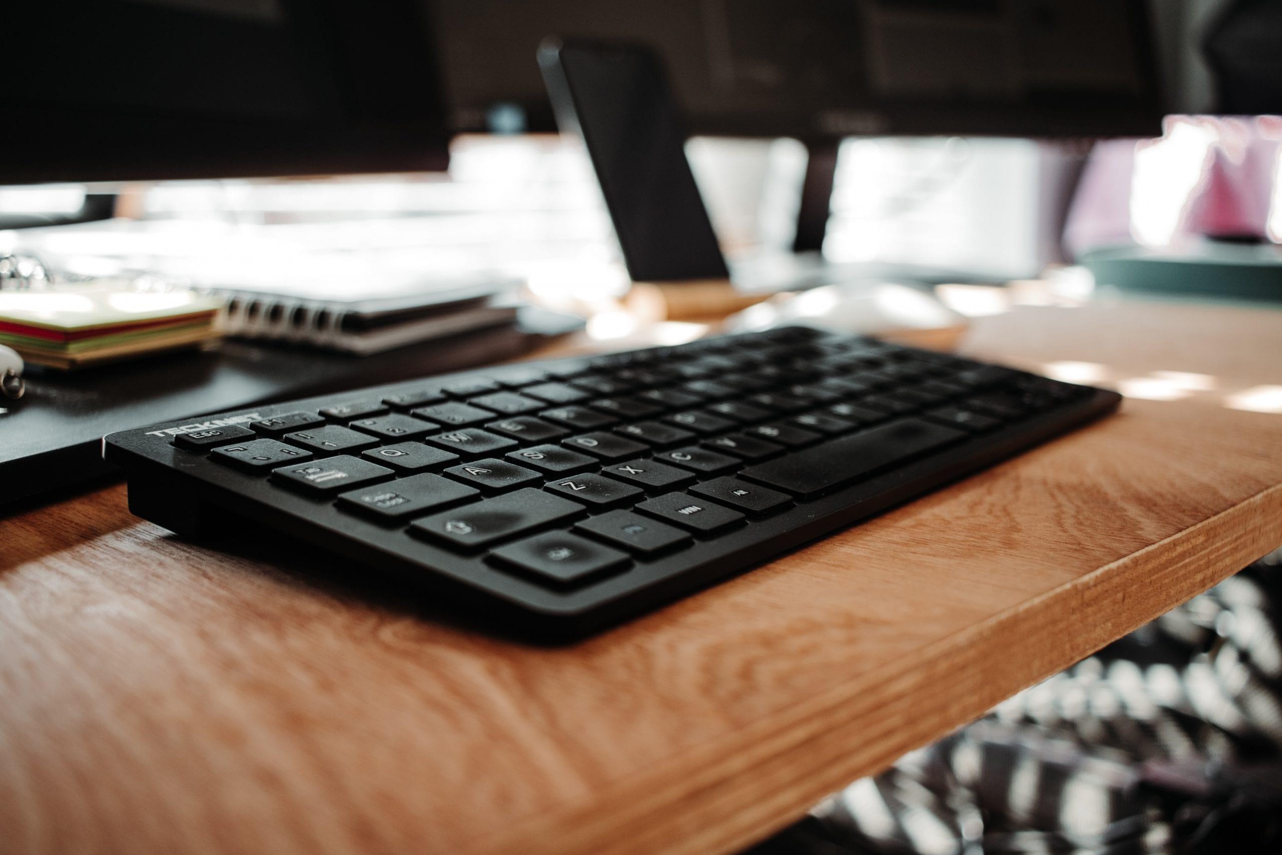 Как да оползотворим свободното ни време вкъщи с онлайн обучение?
