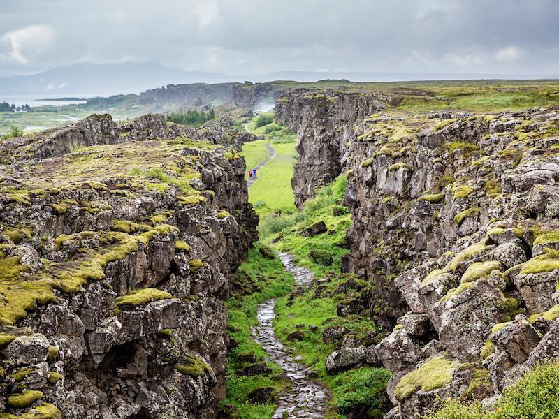 Исландия увеличавасвоите размери с 5 см. годишно.