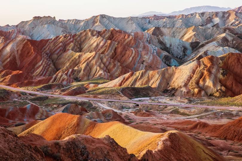 Национален Геопарк Джанге Китай - едно от най-красивите места в света, което попада в нашата топ 10 класация.