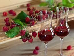 Как да направим вино от малини. Рецепти за малиново вино.