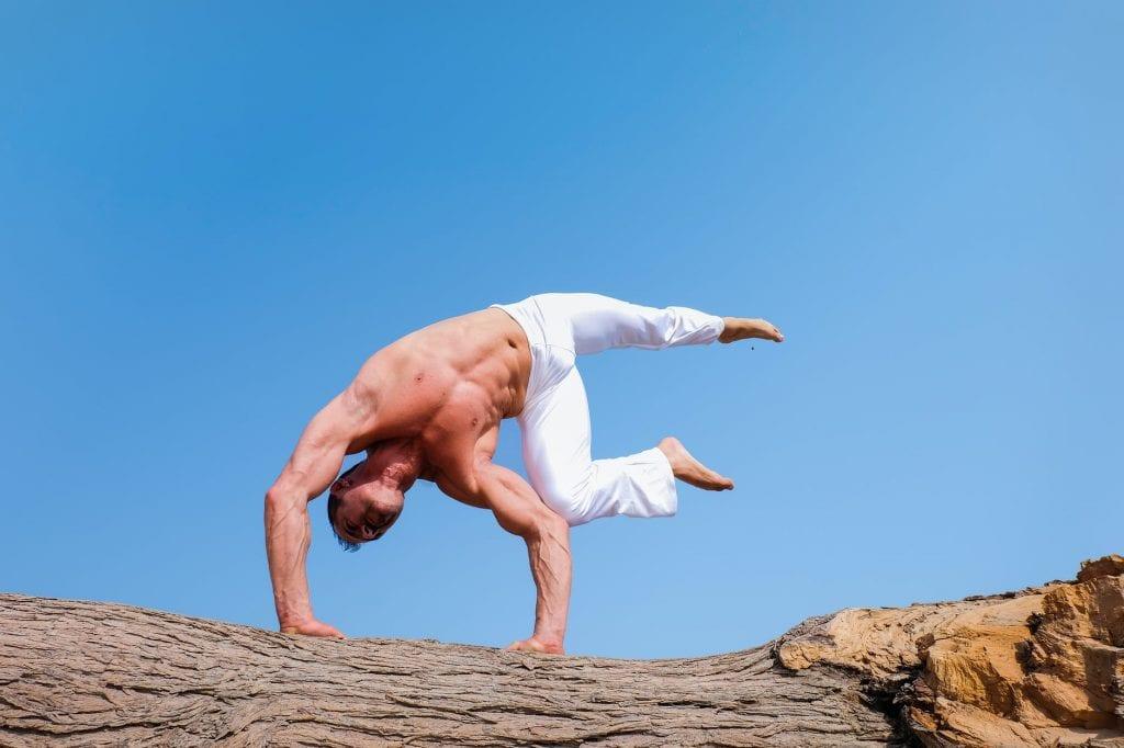 Физическа активност за Хашимото - йога и спорт.