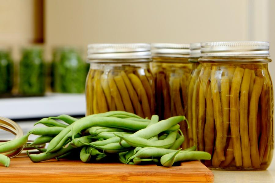 Как да консервираме зелен фасул в буркани?