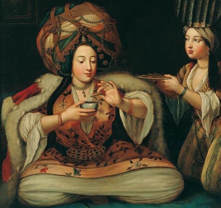 Щастлива жена с кафе. Факт за кафето: Щастлива жена, щастлив живот.