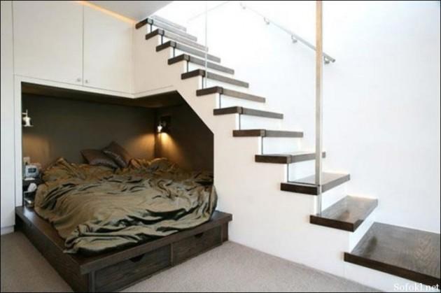Легло за гости под стълбите. Как да използваме пространството под стълбите