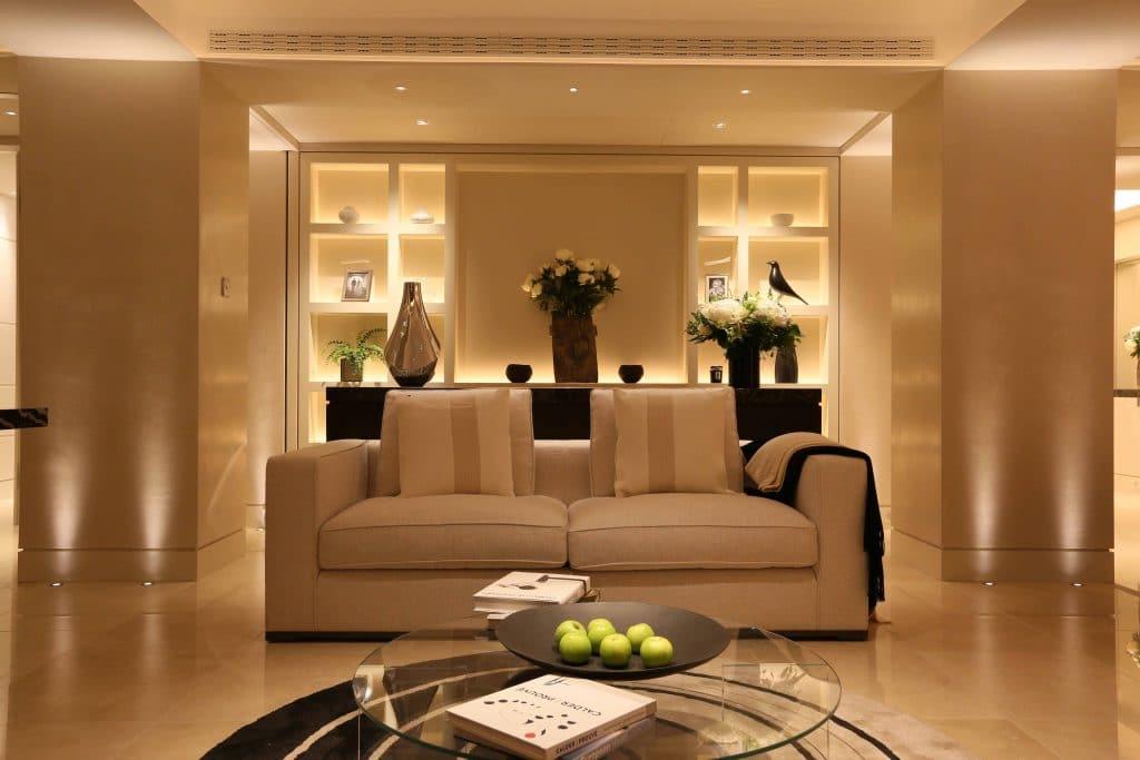 Как да осветим хола?