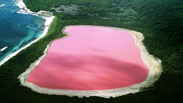 Многоцветни езера