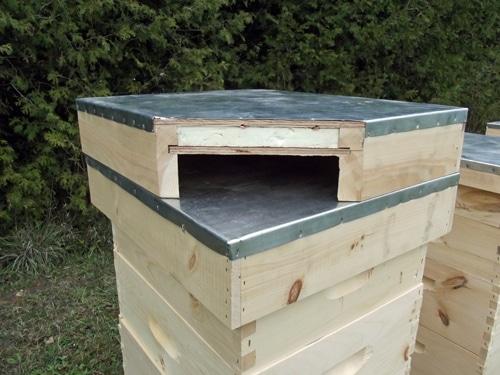 Капака и изолацията - как да подобрим живота на пчелите
