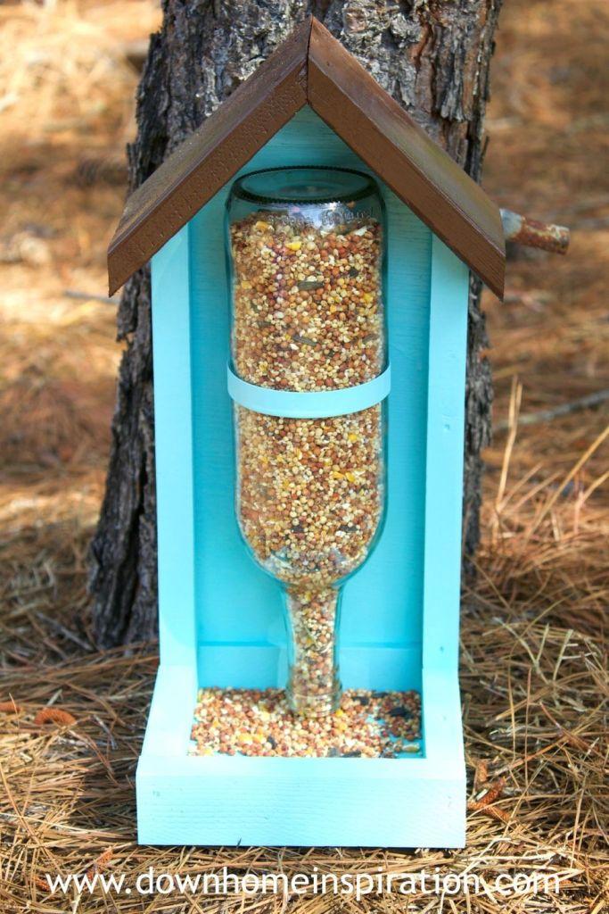 как да използваме празните бутилки - хранилка за птици от бутилка за вино