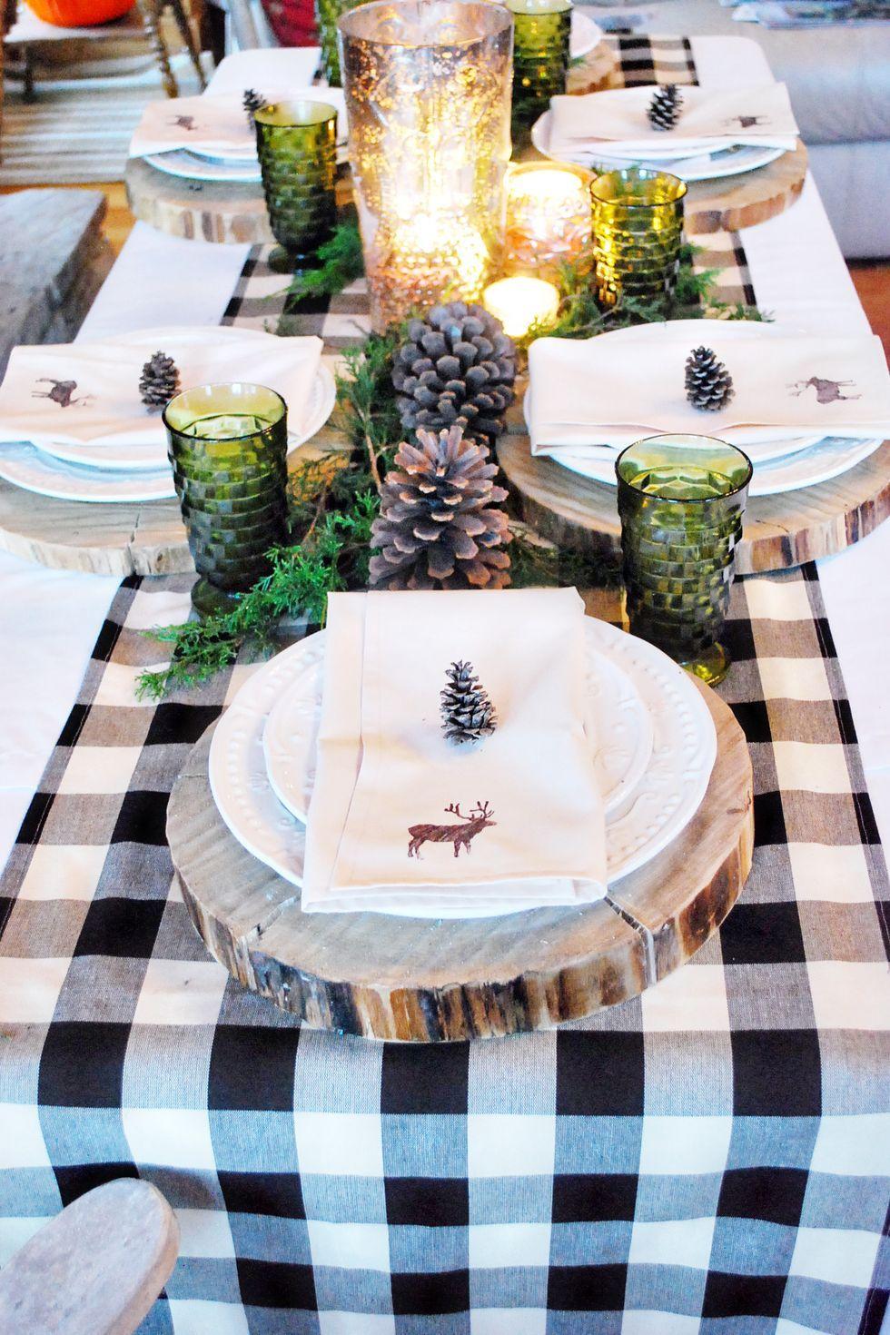 С дъх на гора и планина - как да украсим масата за коледа
