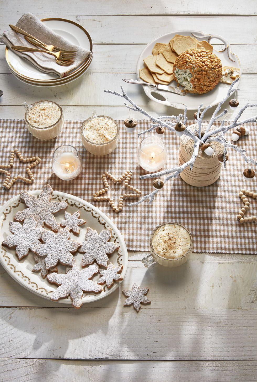 Коледна маса на зимната страна на чудесата
