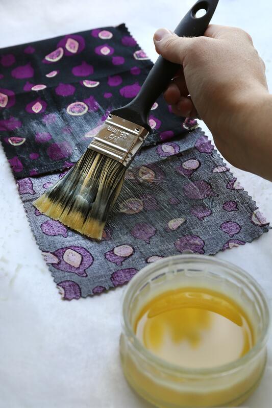 Как да направите домашни опаковки от пчелен восък