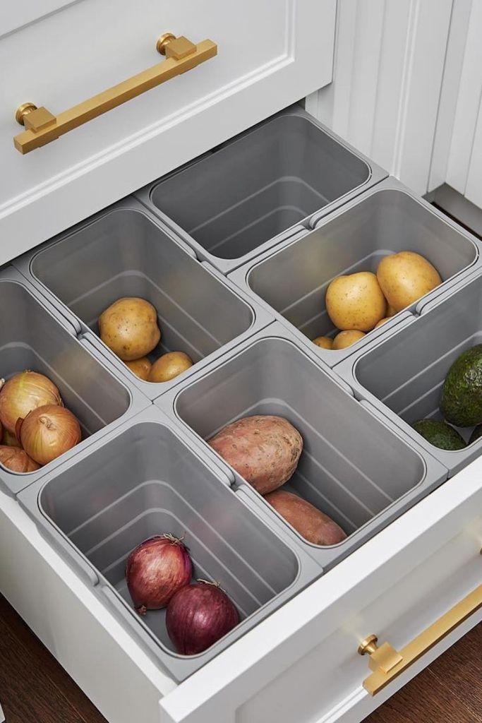 Дръжте зеленчуците в чекмеджета - как да направим малката кухня по-голяма