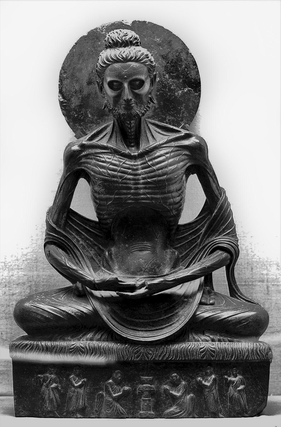 """Скулптурата на """"Постещия Сидхарта"""" или постещия буда"""