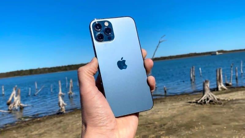 iPhone 12 Pro Max - най-добрите смартфони за 2021 година