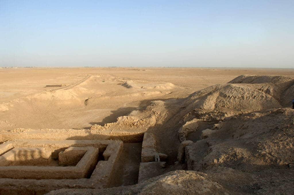 По времето описано в Книгата на Битие, Урук е имал население от 4000 души
