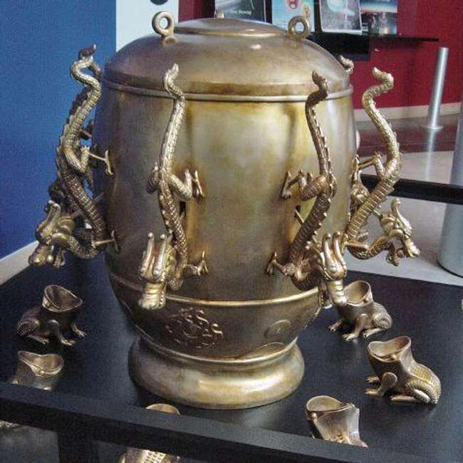 Смята се, че сеизмоскопът на Жанг Хенг открива земетресения - загадъчни древни изобретения без научно обяснение