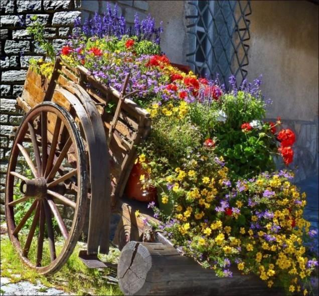 каруца с цветя - как да вдъхнем нов живот на старата каруца