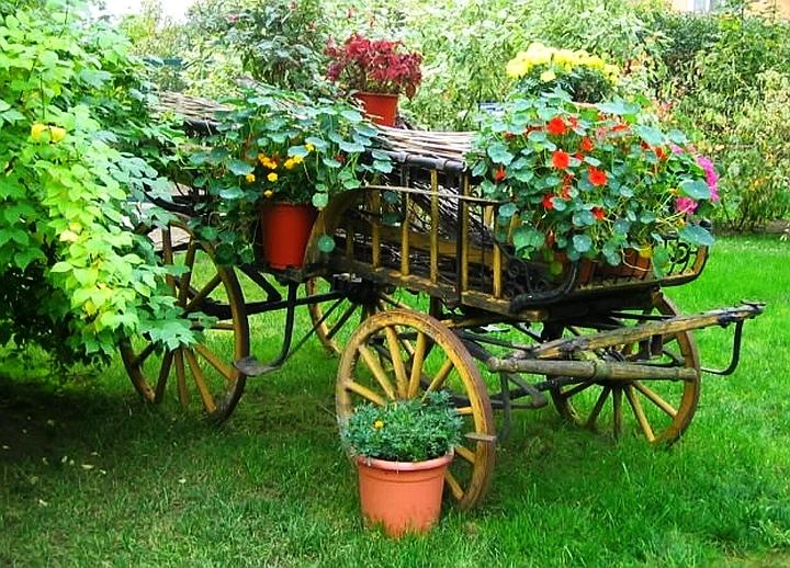 декоративна каруца с цветя - истинска красота - как да вдъхнем нов живот на старата каруца