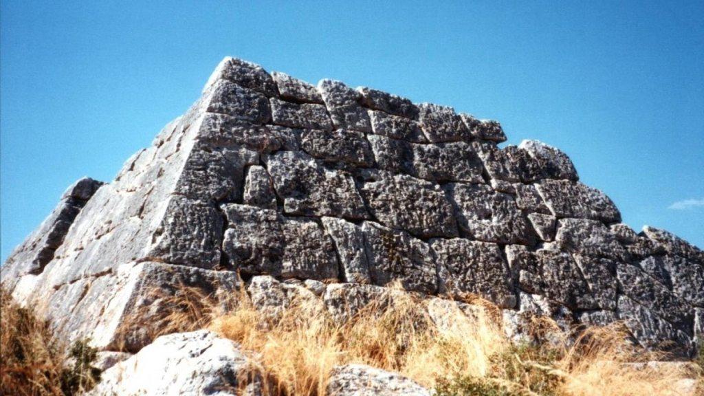 Невероятни неразгадани древни мистерии от целия свят - Топ 10