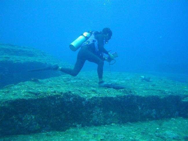 Подводните руини на Япония