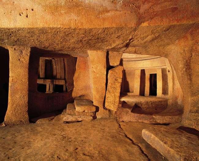 Хипогеумът на Хал Сафлиени в Малта