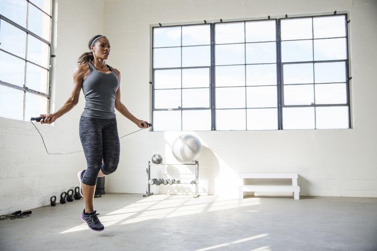 Скачане на въже - най-добрите тренировки във вкъщи
