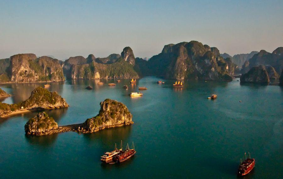 Ха Лонг Бей, Виетнам - 10 зашеметяващи природни чудеса