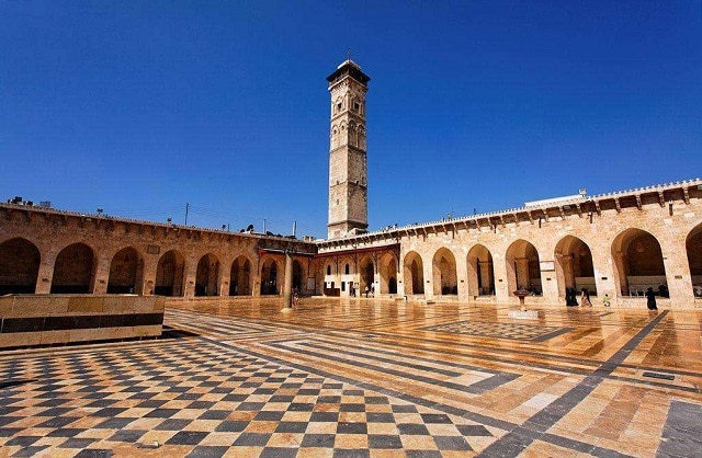 Минарето на Голямата джамия в Алепо, Сирия