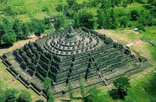Храмът Боробудур (Индонезия)