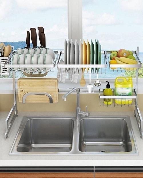 Поставка за сушене на съдове над мивката - как да организираме кухнята